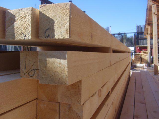 Стоит ли покупать древесину естественной влажности?